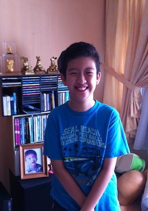 Left image of Kai Wen
